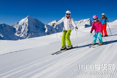滑雪单板和双板的区别 滑雪单板和双板哪个难