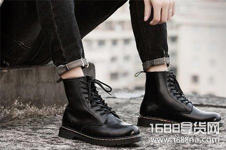 男生马丁靴穿什么颜色好看 马丁靴配什么裤子好看