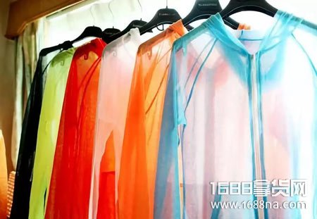 防晒衣什么颜色的效果比较好 哪些颜色的防晒衣效果差